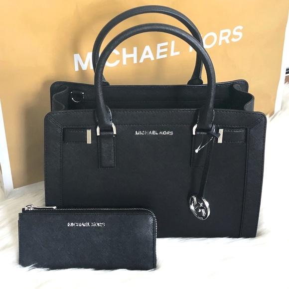 ab54dd5223ad Michael Kors Bags | Black Mk Dillon Satchel Wwallet | Poshmark